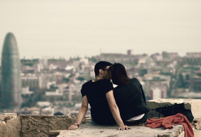 デート中の会話が盛り上がる心理テクニック